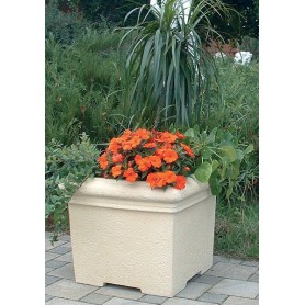 Jardiniere of white cement 40x40 cm, h 30cm, w 25 kg