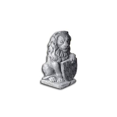 Lav (s grbom) v 41 cm, d 24 cm, s 18 cm, t 16 kg